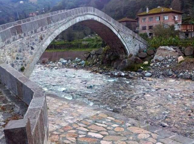 Yıkılan Tarihi Taş Köprü Aslına Uygun Olarak Yeniden Yapılacak